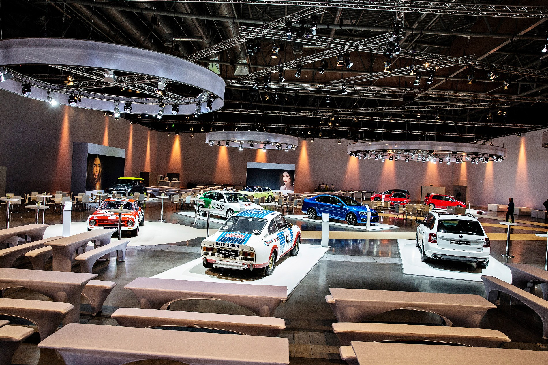 Exhibition Stand Management : Škoda mmk conference a prestigious event in ideal