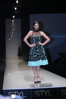 Oscar de la Renta - LUXURY MATERIALS - srpen 2016